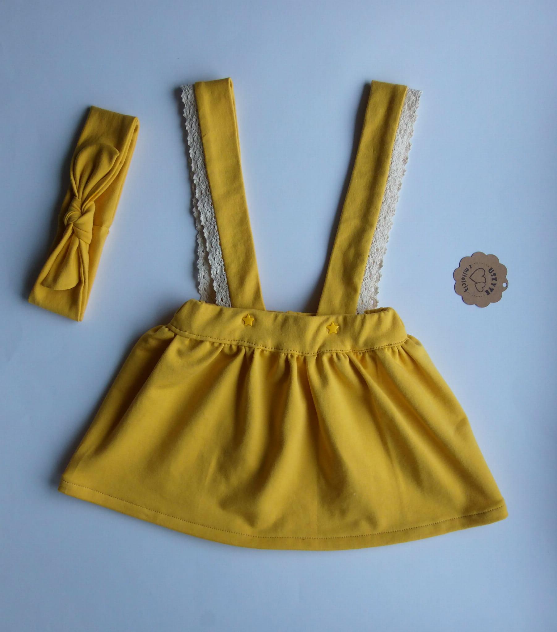 9d0c3b079c Spódniczka na szelkach dla dziewczynki w kolorze musztardowym Sophie ...
